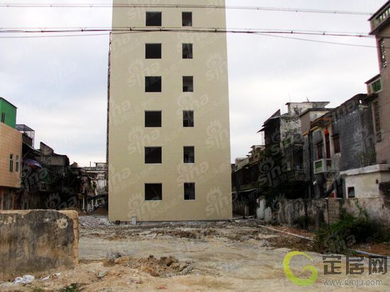 澄海隆都镇北门廉租房内部装修中 相邻项目施工前期监测中